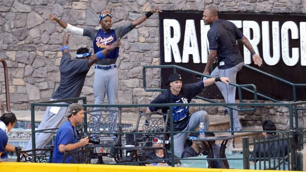 LA Dodgers Clinch NL West, Celebrate By Crashing Arizona's Pool