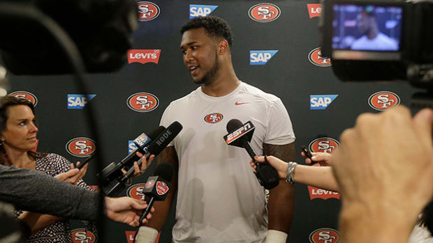 deforest-buckner-49ers-630-social-media-training.jpg
