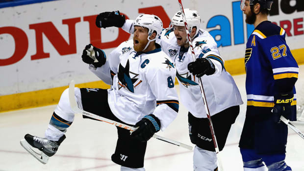 joe-pavelski-nhl-three-stars-san-jose-sharks-st-louis-blues-joe-thornton-troy-brouwer.jpg