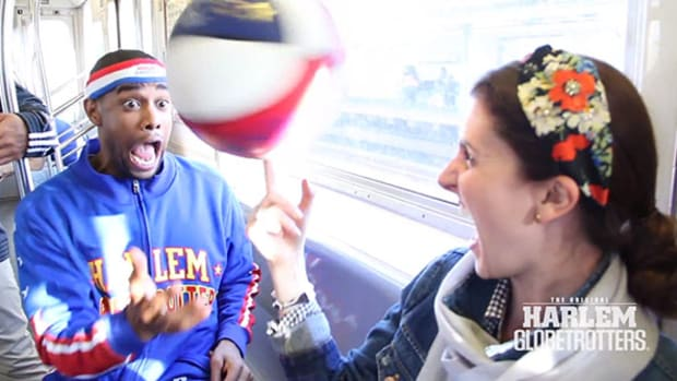 Harlem Globetrotters Take Over NYC Subway