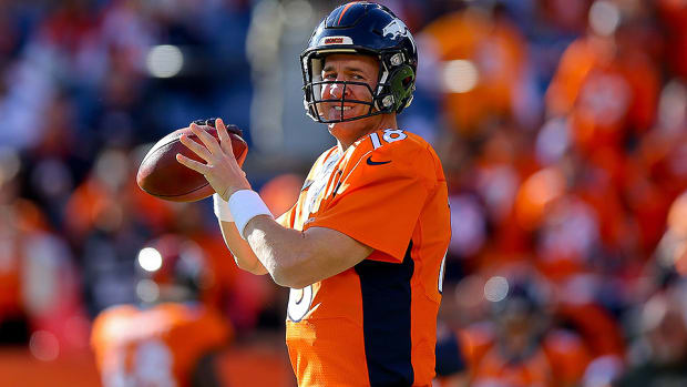 peyton-manning-nfl-passing-yards-record-broncos-chiefs.jpg
