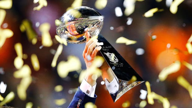 nfl-midseason-predictions-playoffs-super-bowl-li-lombardi-trophy.jpg