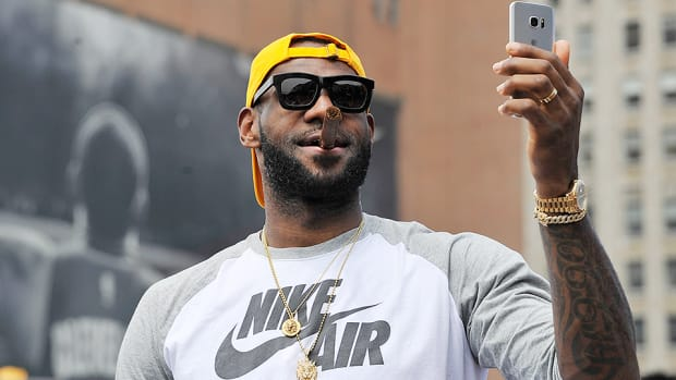nba-free-agency-lebron-james-cleveland-cavaliers-opts-out.jpg