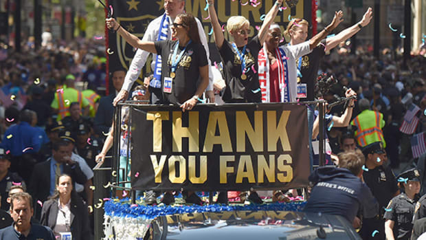 2015 Women's World Cup: New York Celebrates Team USA with Ticker-Tape Parade