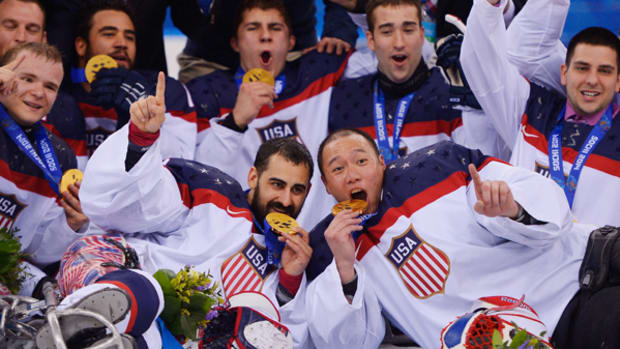 US Sled Hockey Team Wins Back-to-Back Gold!