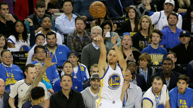 stephen-curry-warriors-grizzlies-400-threes.jpg