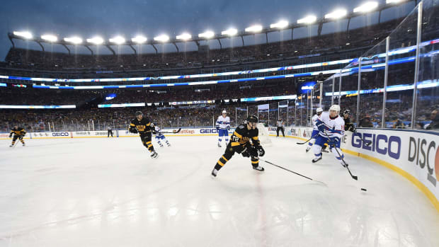 nhl-outdoor-games-centennial-classic.jpg