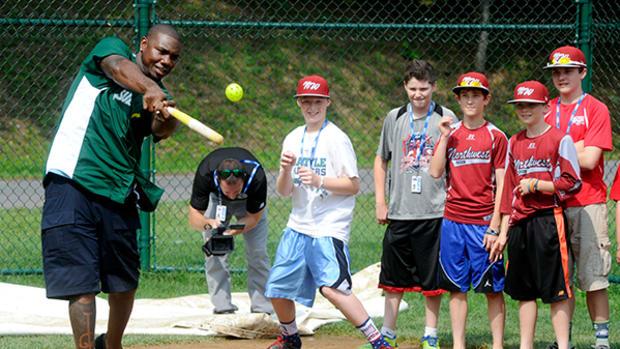 Ryan Howard Surprises Kids at Little League World Series