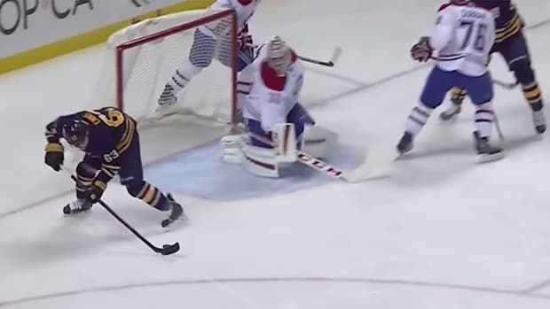 Sabre Tyler Ennis Scores Incredible No-Look Goal