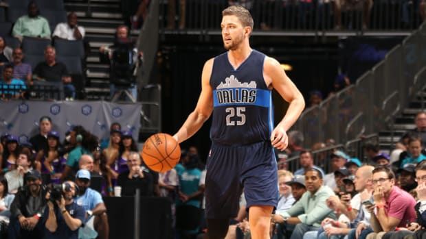 chandler-parsons-mavericks-knee-surgery.jpg