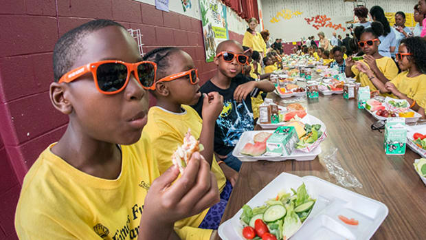 USDA Head Tom Vilsack Encourages Kids to Fuel Up With Healthy Foods