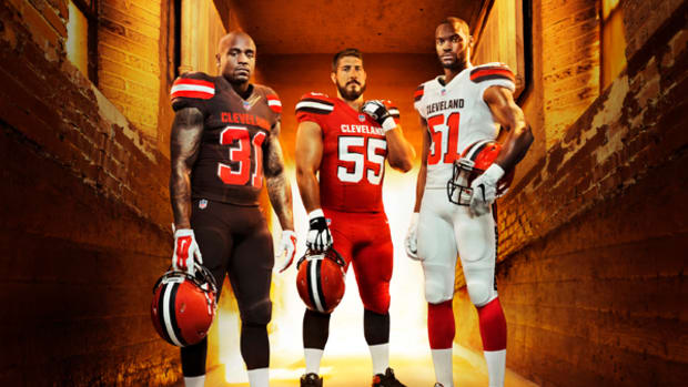 Cleveland Browns Unveil New Uniform Set