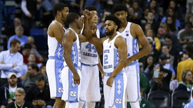 joel-berry-north-carolina-1300-with-players.jpg