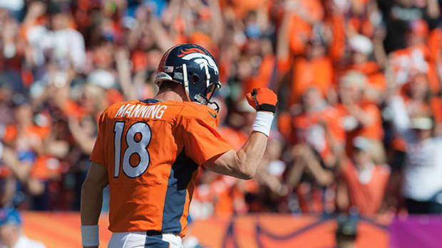 Peyton Manning Becomes Second QB to Throw 500 TDs