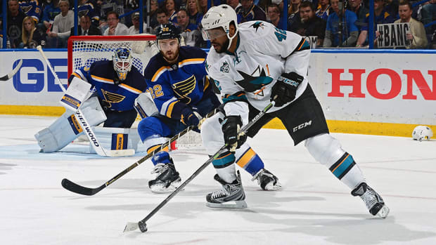 joel-ward-san-jose-sharks-st-louis-blues-game-5-nhl-playoffs-jake-allen.jpg
