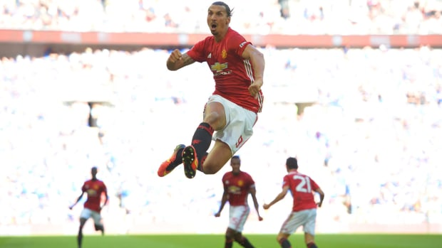zlatan-community-shield-manchester-united.jpg
