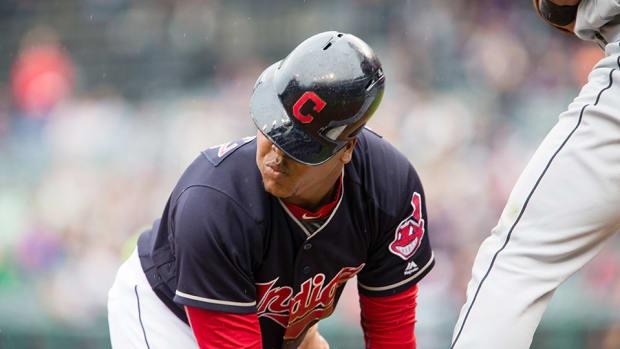 indians-jose-ramirez-baseball-helmet-gif.jpg