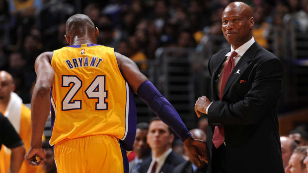 kobe-bryant-byron-scott-lakers-fired.jpg
