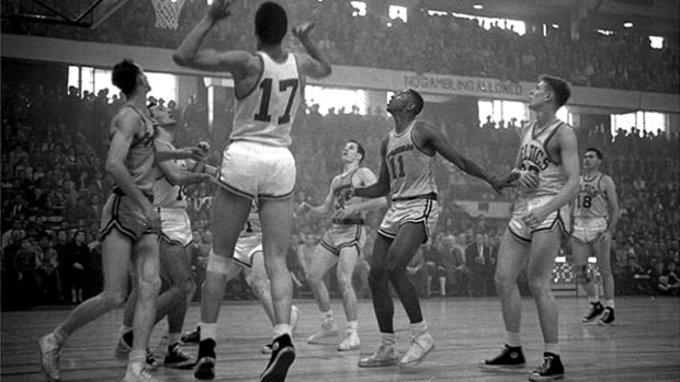 Basketball Legend Earl Lloyd and Other Sports Pioneers Left a Lasting Legacy