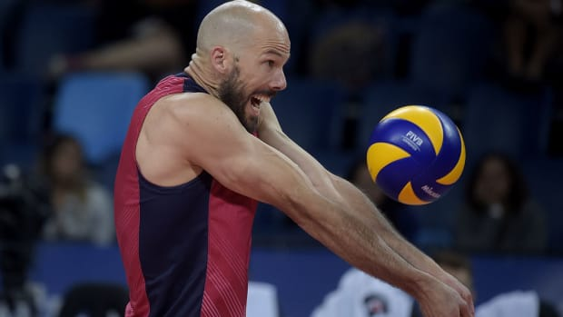 usa-indoor-volleyball-olympic-team-roster.jpg