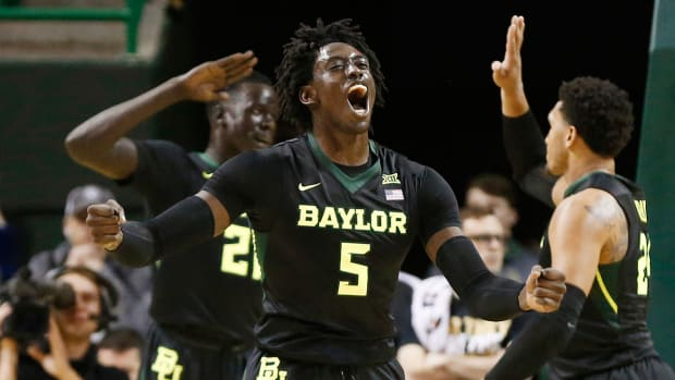 johnathan-motley-baylor-1300-bracket-watch.jpg