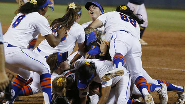 Florida Gators Win Back-to-Back Women's College World Series!