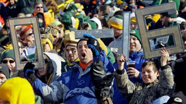 detroit-lions-cleveland-browns-fans.jpg
