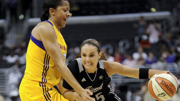Spurs Add WNBA Legend Becky Hammon to Coaching Staff