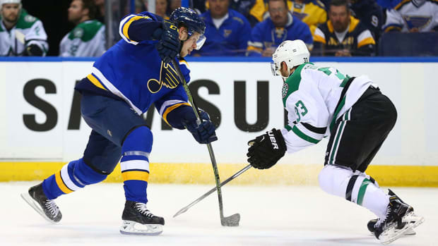 tarasenk-backes-blues-top-stars-game-3-western-conference-960.jpg
