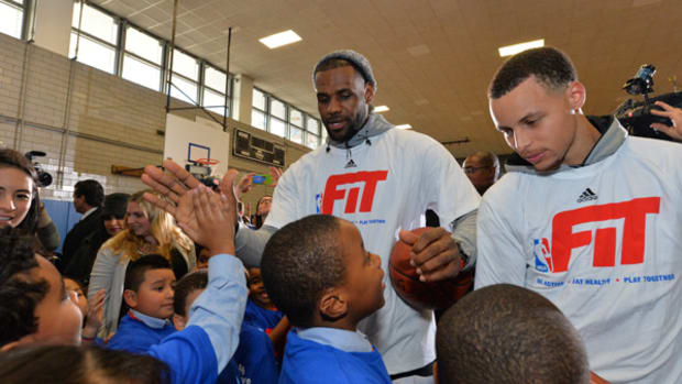 LeBron James and Stephen Curry Get Fit With NYC Students