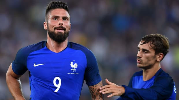 giroud-france-italy-friendly.jpg
