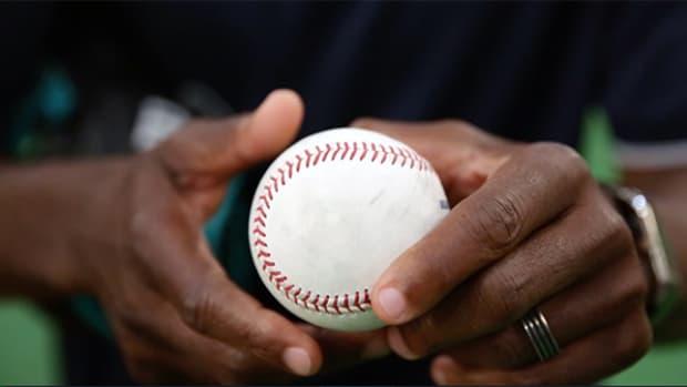 baseball-101-throwing-catching-header.jpg