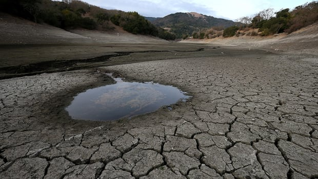 san-rafael-pacifics-uniform-wash-water-conservation-drought.jpg