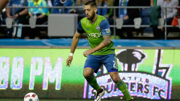 clint-dempsey-sounders-out-season.jpg