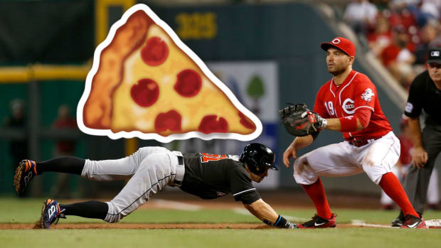 joey-votto-ichiro-pizza-prank.jpg
