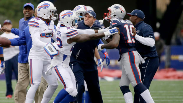 patriots-bills-malcolm-mitchell-robert-blanton-scuffle-video.jpg