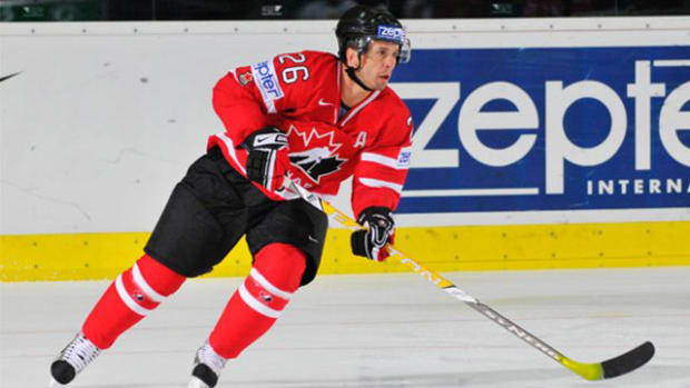 Martin St. Louis Replaces Steven Stamkos on Team Canada