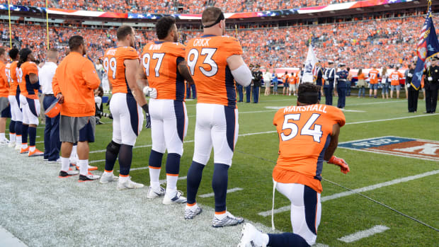 brandon-marshall-national-anthem-protest.jpg
