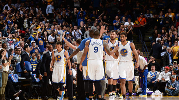 Warriors Clinch Playoff Spot and Game Against Lakers