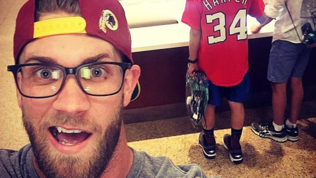 bryce-harper-nationals-fan-selfie-instagram.jpg
