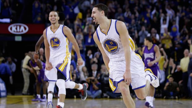 Klay Thompson Scores Record 37 Points in One Quarter!