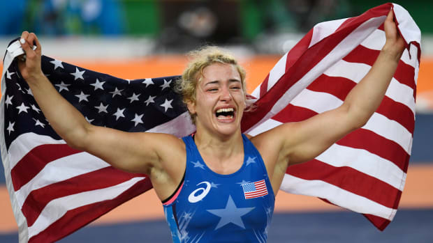 helen-maroulis-first-american-woman-wrestling-gold.jpg