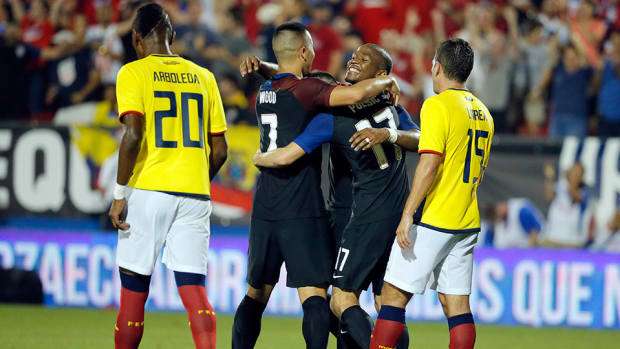 usa-beats-ecuador-nagbe-pulisic-wood.jpg