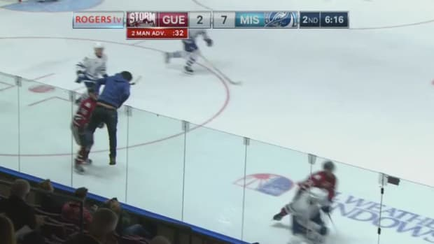ohl-hockey-fan-ice-mississauga-video.jpg