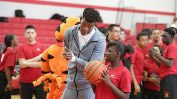 Bulls Star Jimmy Butler: Breakfast is Grrrrreat!