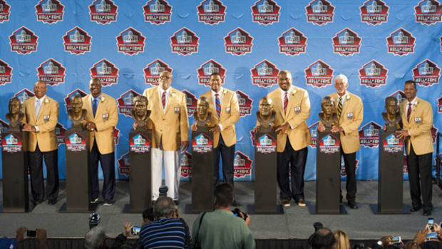 Michael Strahan Leads 2014 Pro Football Hall of Fame Class