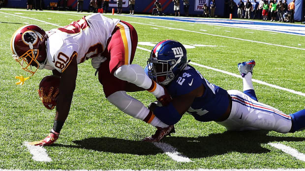eli-apple-annie-apple-giants-redskins.jpg