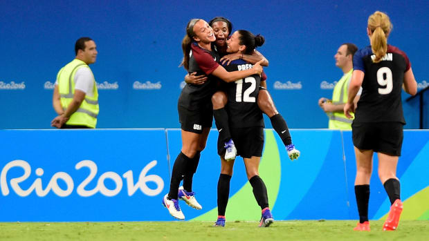 dunn-uswnt-colombia-olympics.jpg