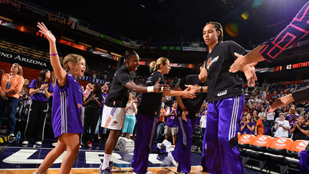 Coach Mia Leads the Way for the Mercury