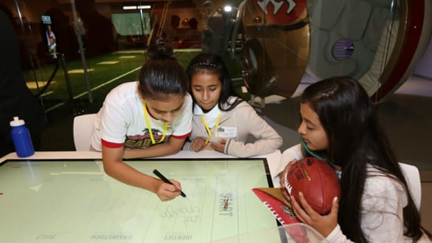 San Francisco 49ers Use Football to Get Kids Excited About STEM